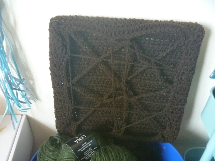 crochet square, back
