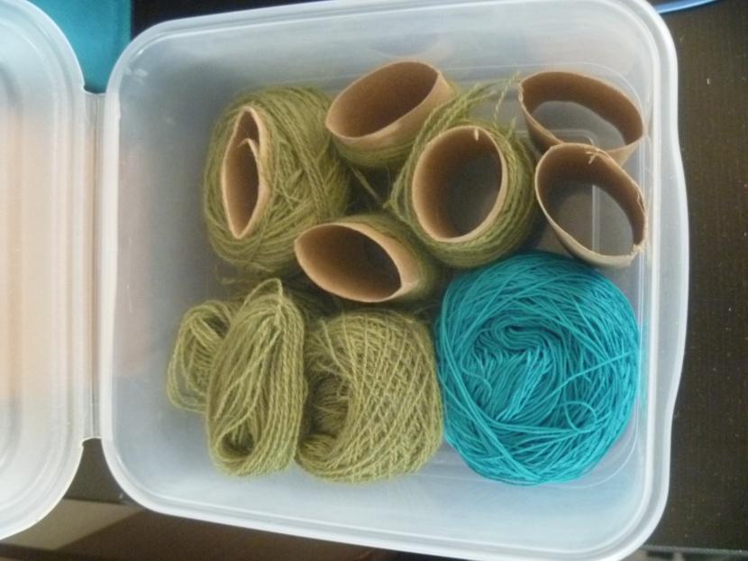 wound yarn bits