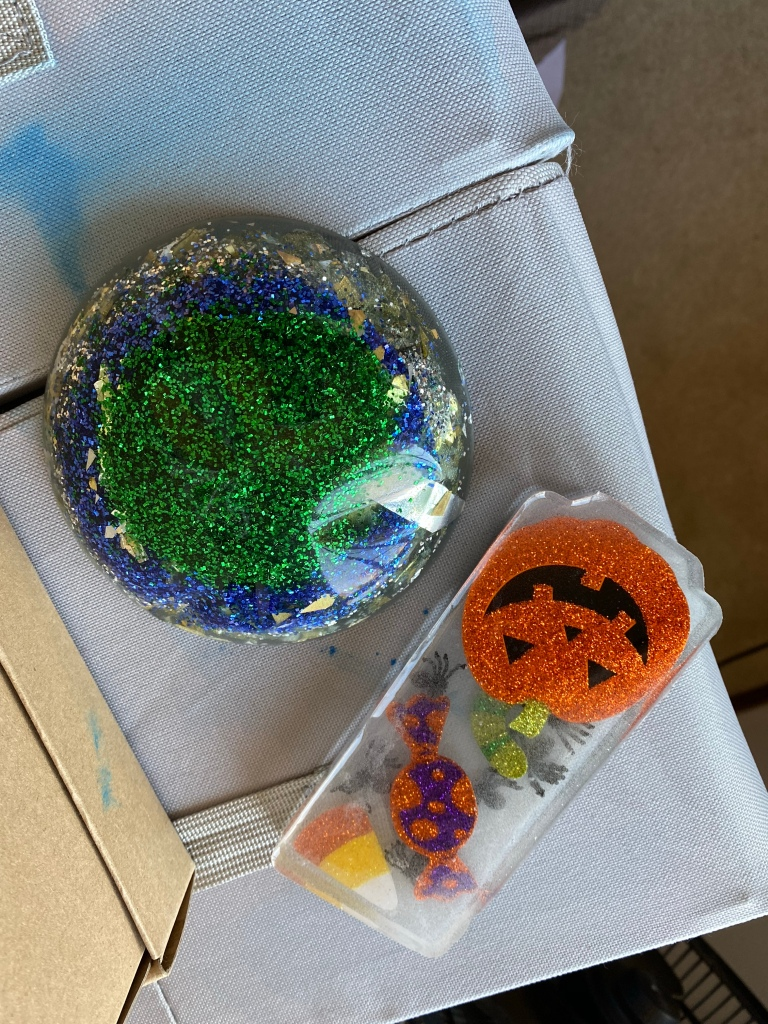 Upside down view of the front of the resin objects