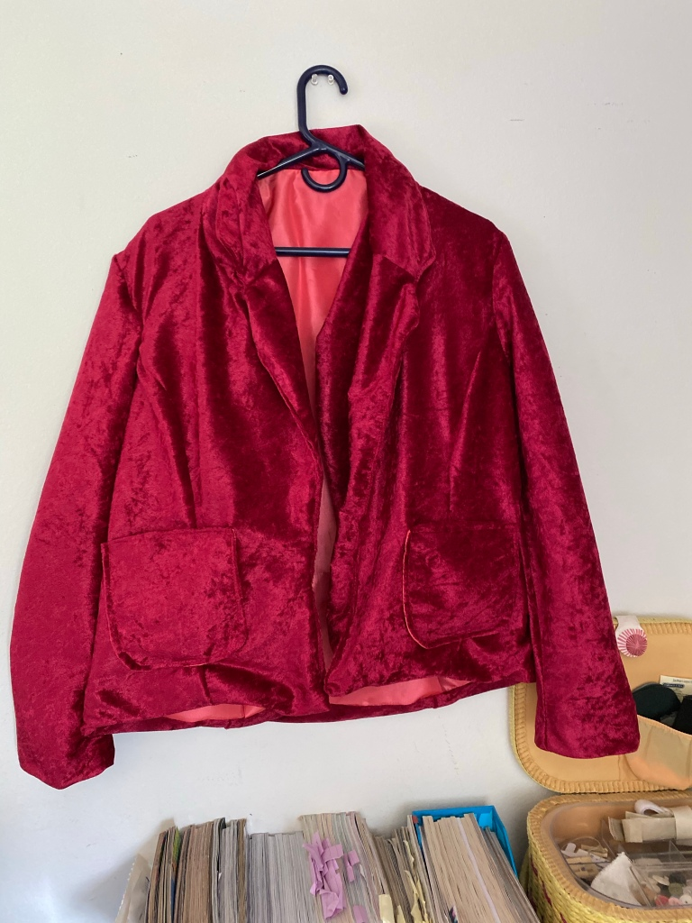 Red velvet  blazer without closure
